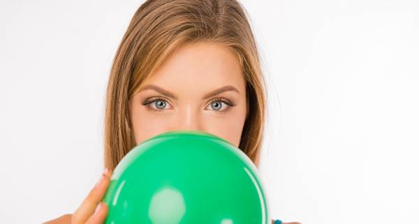 ما الذي يسبب ترقق الوجه المفاجئ؟