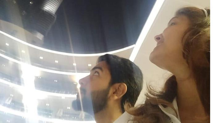 في الليل شاهد برج برج خليفة