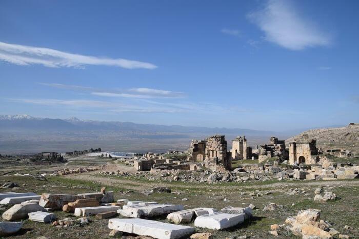 خراب مدينة باموكالي هيرابوليس أوف فريجيا القديمة