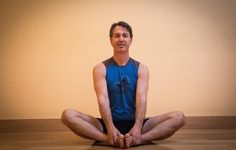 تعليم حركات اليوجا