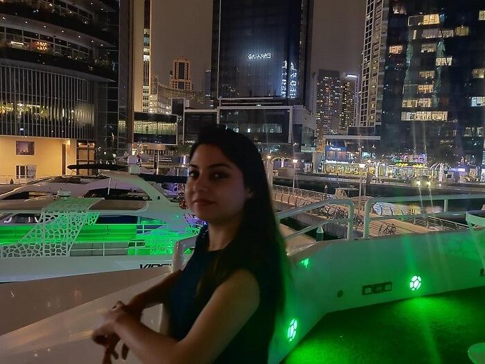 المنظر الليلي للمدينة
