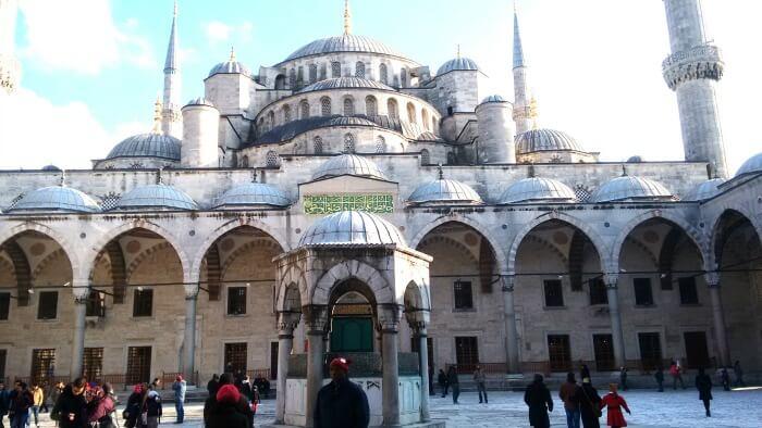 المسجد الأزرق الجميل في تركيا