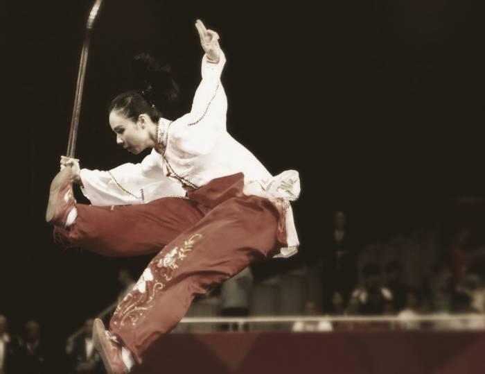 القفز الووشو
