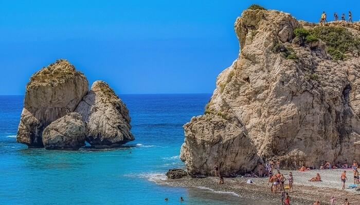 قبرص الجميلة