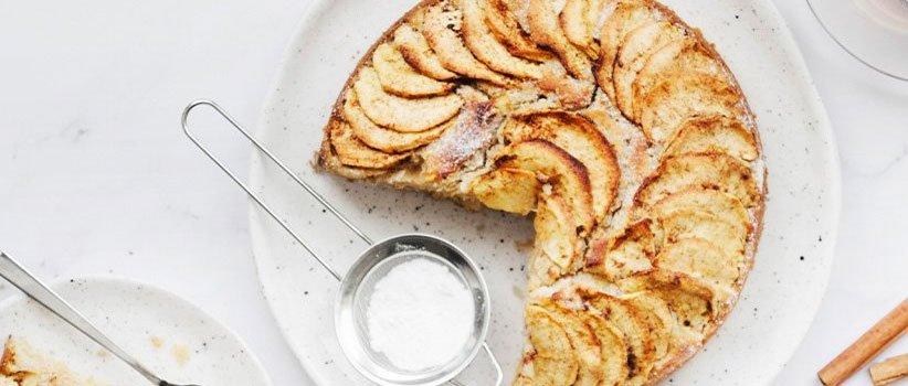كعكة التفاح القرفة