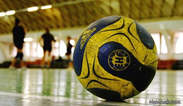 ما هو شكل لعبة كرة اليد؟