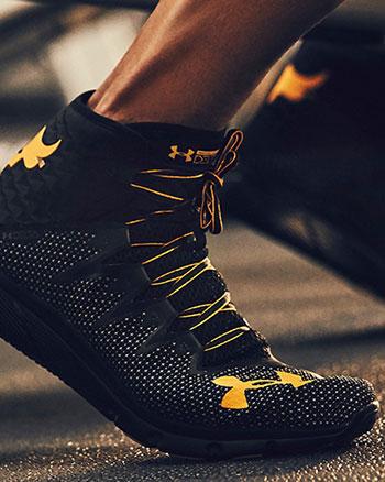 نموذج من أحذية رياضية المهنية