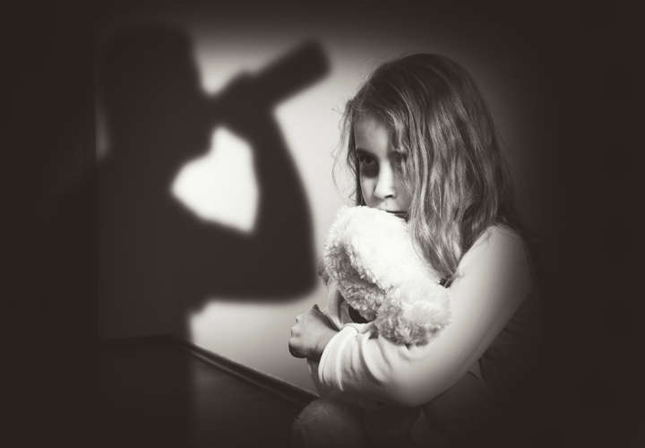 اضطراب الشخصية المتعددة الناجم عن صدمة الطفولة