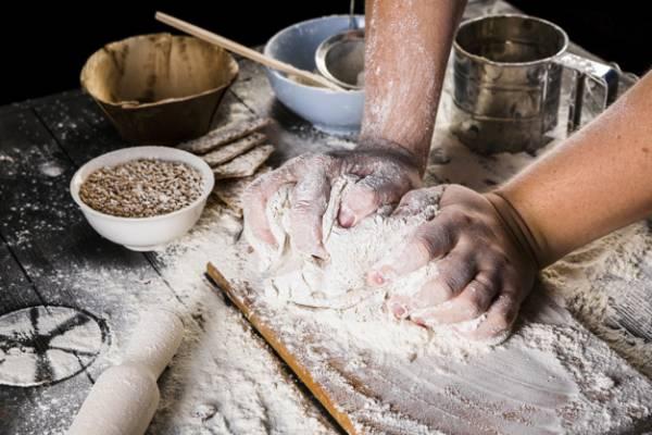 الخبز العجين