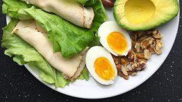 بروتين الإفطار مع 2 اقتراحات كبيرة