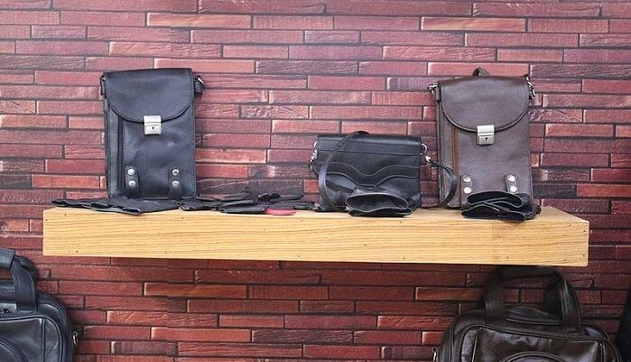 حقائب جلدية
