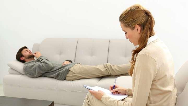 العلاج النفسي يمكن أن يساعد في علاج اضطراب الإفراط في تناول الطعام