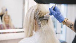 هل يسبب صبغ الشعر تساقط الشعر حقًا؟