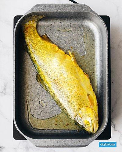 سمك محشي في المقلاة