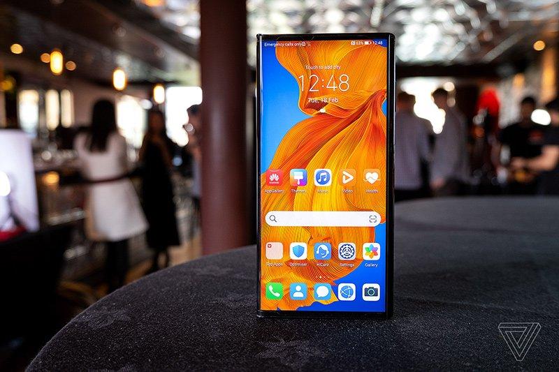 1582785847 709 تم تقديم هاتف Huawei Mate Xs بشاشة عرض أكثر قوة أكو وب
