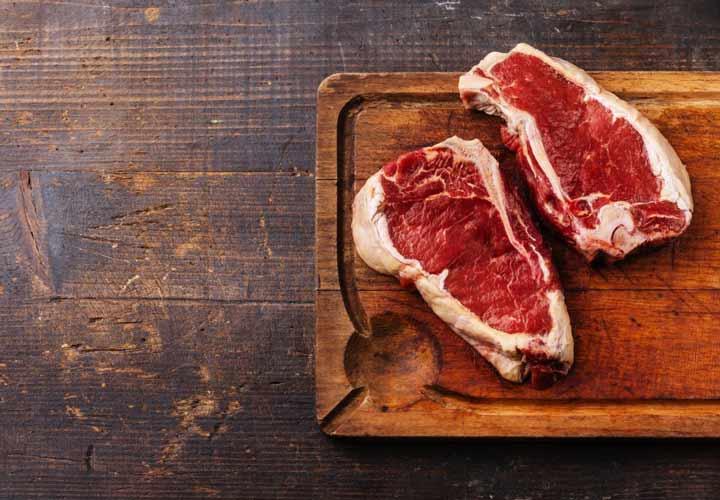 اللحوم الحمراء تزيد من خطر الإصابة بمرض الزهايمر.
