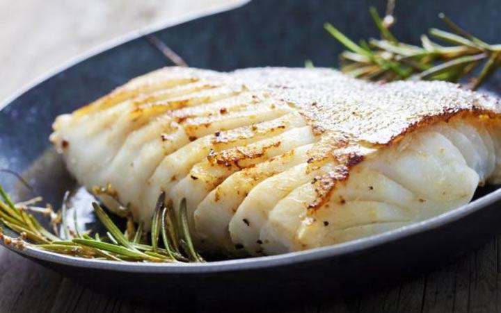 عادة ما تكون الأسماك الخالية من الدهون غنية بالبروتين