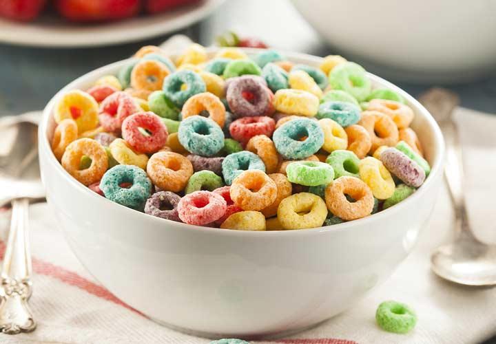 حبوب الإفطار ليست جيدة للإفطار لأنها تحتوي على نسبة عالية من السكر وقليلة الألياف.
