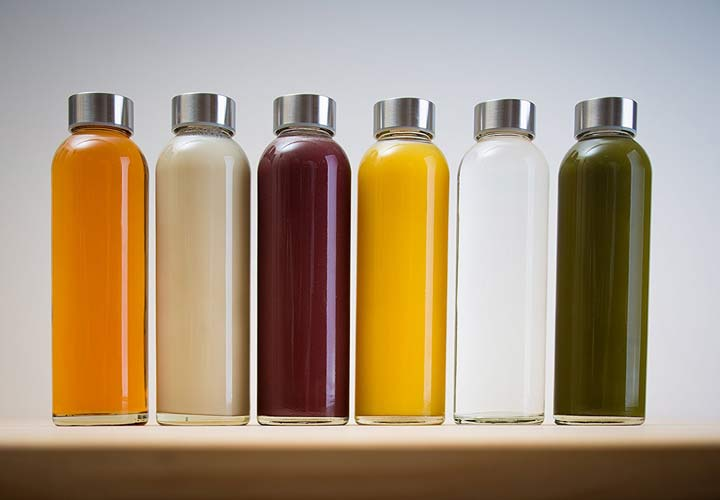 يحتوي العصير على نسبة عالية من السكر ويتم فصل الألياف في الفاكهة عنه.