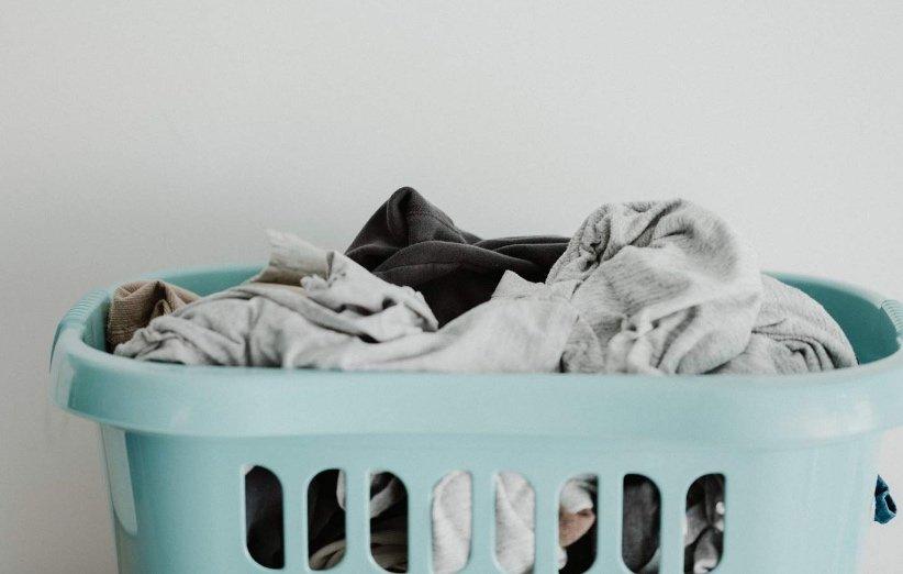 اغسل الملابس خلال فترة الاكليل
