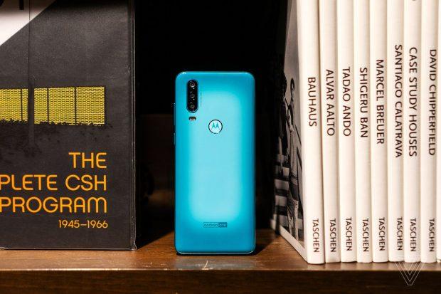 مقارنة بين Motorola One Action و Xiaomi Mi A3 و Samsung Galaxy A50