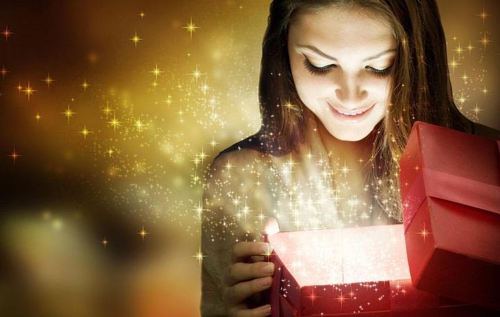 لماذا يجب على النساء شراء الهدايا لأنفسهن؟