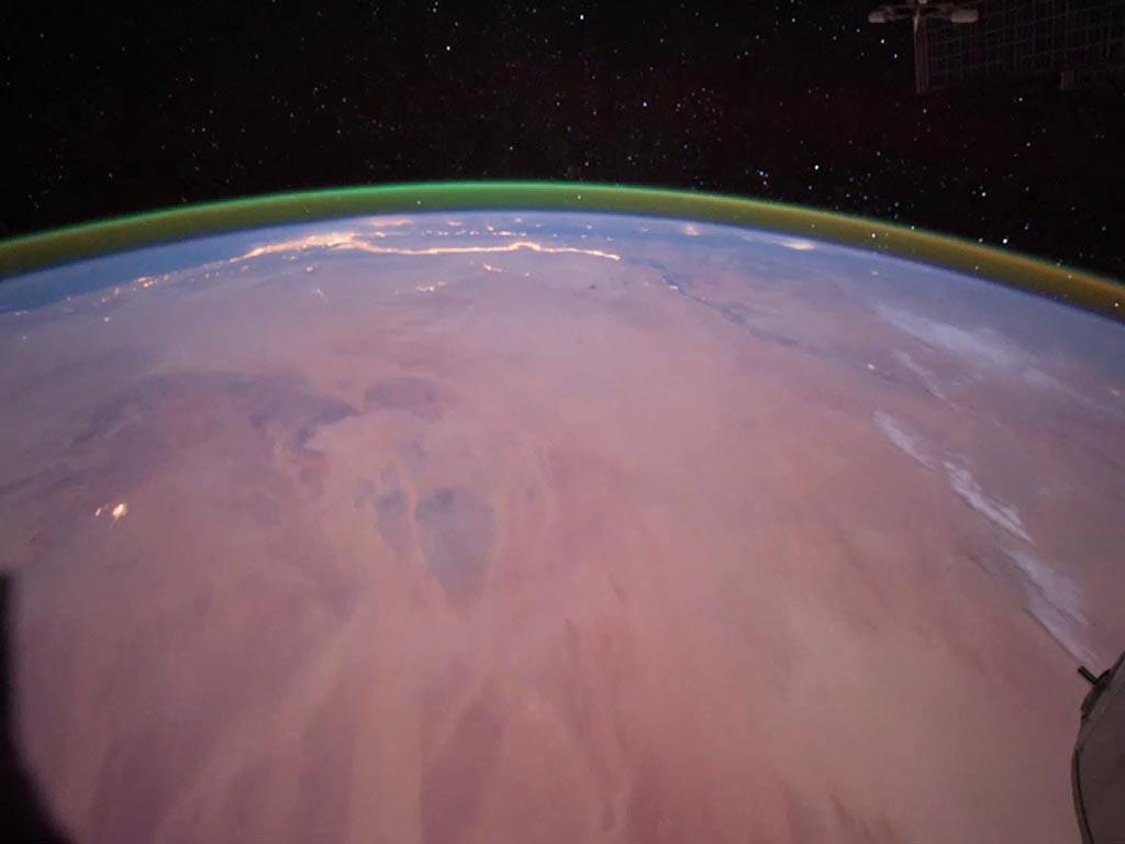 تمت ملاحظة Airglow من محطة الفضاء الدولية