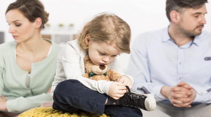 الآباء السامون - إهمال الطفل