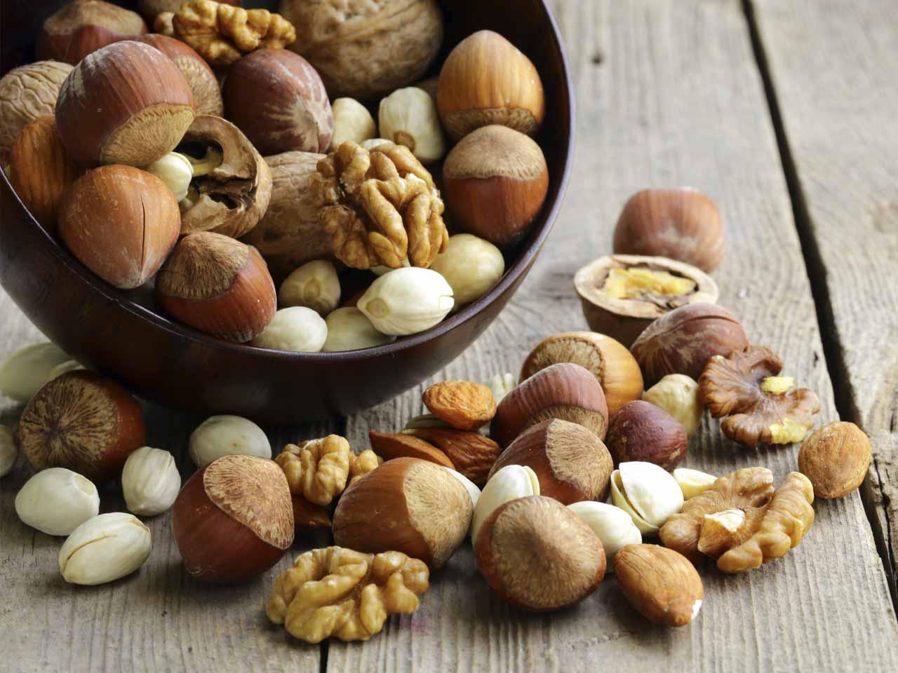 15 نصيحة علمية حول الصحة- أكل المكسرات