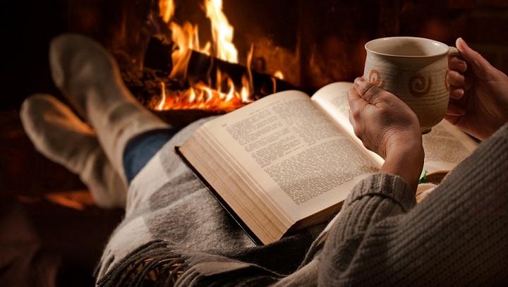 يعد العلاج الكتابي أحد طرق الاستفادة من قراءة الكتب