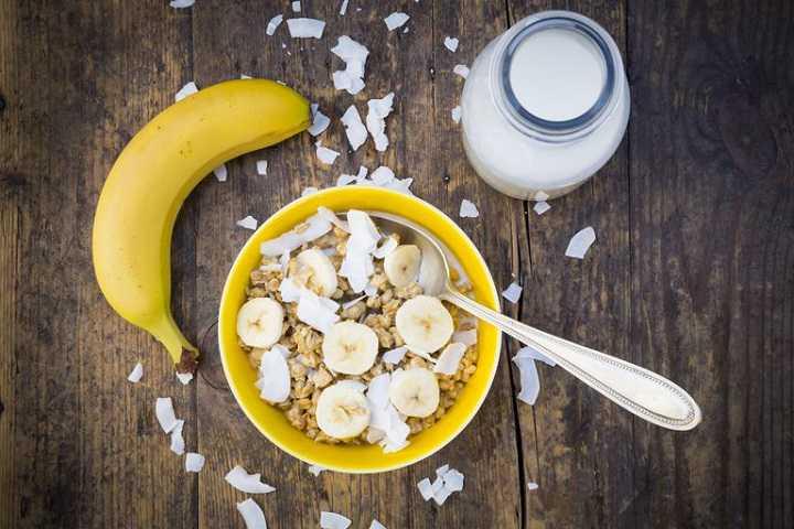 يساعد تناول الموز مع وجبة الإفطار على إنقاص الوزن