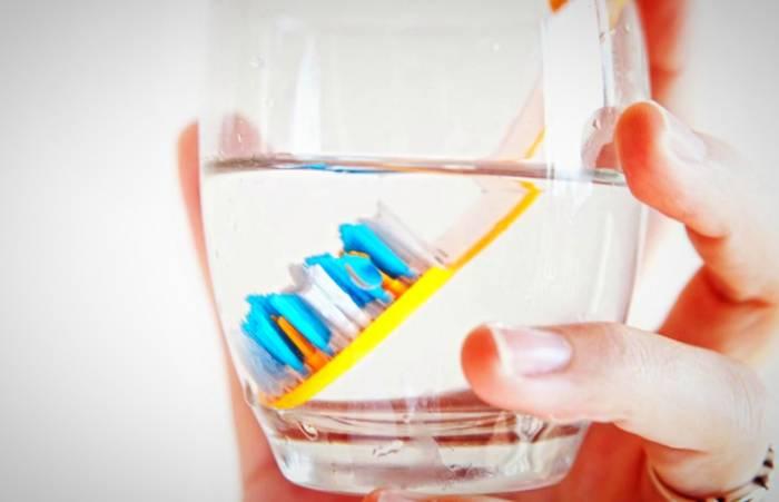 كيفية تطهير فرشاة الأسنان