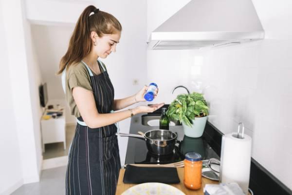 الطبخ في سن المراهقة