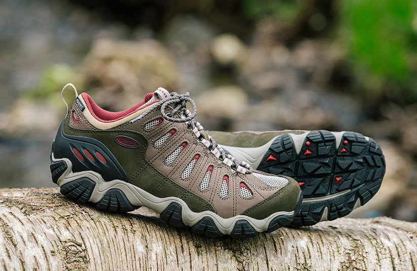 أحذية تسلق الجبال