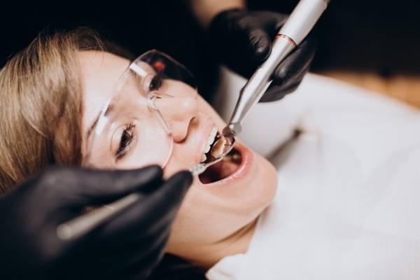 علاج التهابات الاسنان