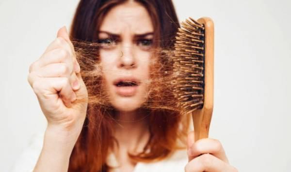 فرشاة شعر متسخة