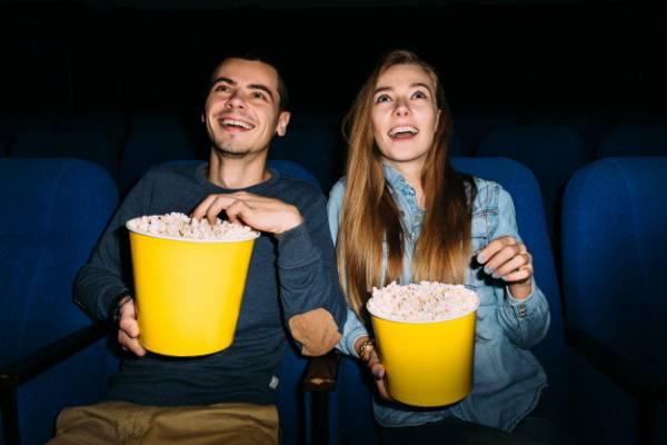 الذهاب الى السينما