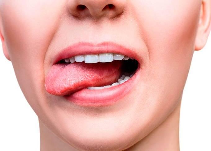 طعم المعدن عن طريق الفم