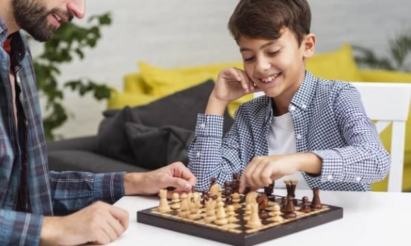 لعبة الشطرنج للأطفال