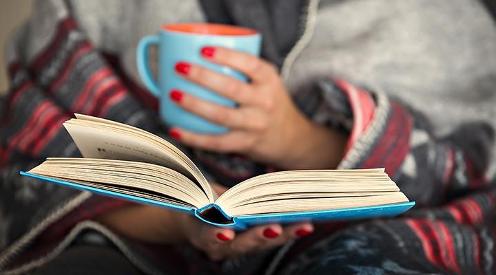 اقرأ الكتب واشرب الشاي