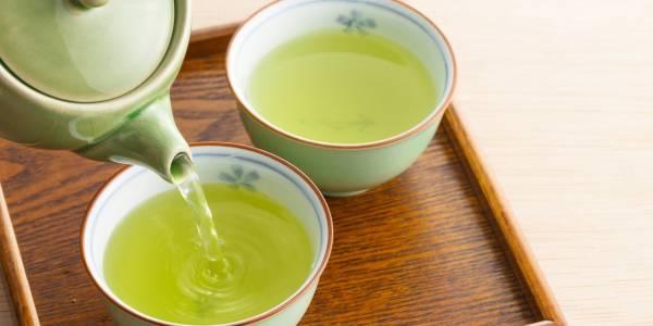 الشاي الاخضر والليمون للبشرة