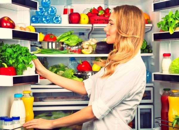 طعام في الثلاجة