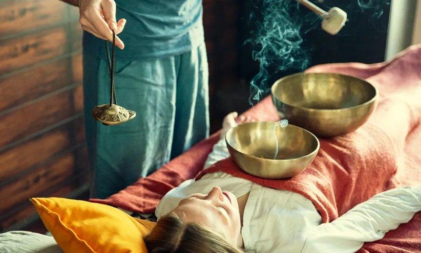 تدليك صوتي بأوعية التبت