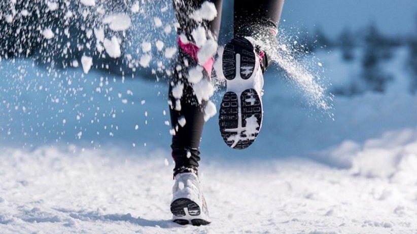 أحذية الجري الباردة