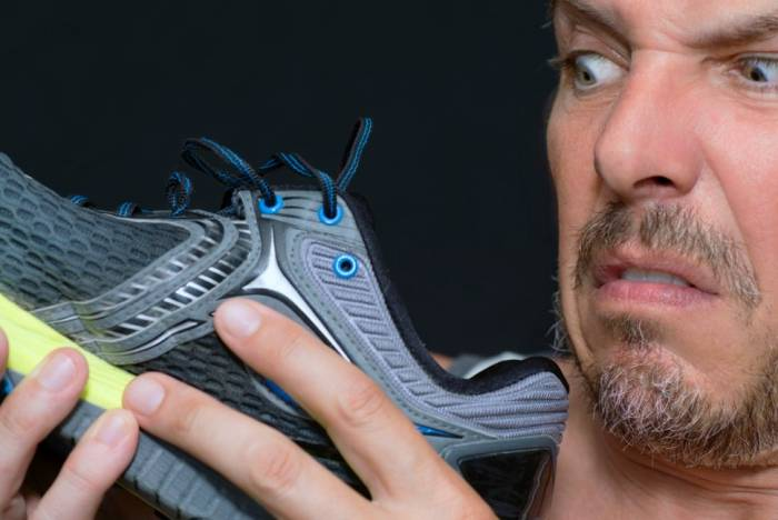 محلول رائحة الأحذية