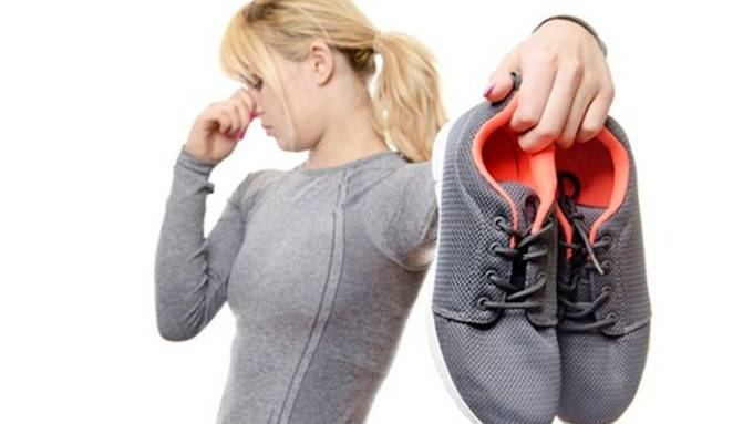 القضاء على رائحة الأحذية الرياضية