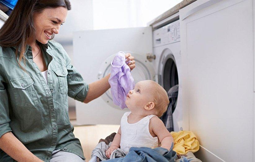 قم بشراء الملابس التي يسهل غسلها