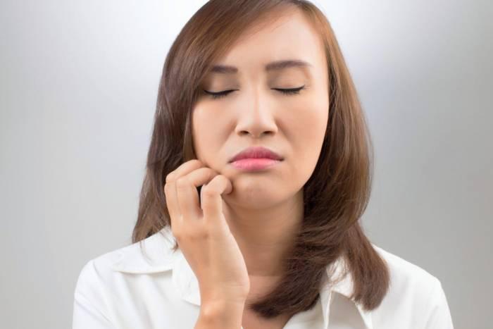 سبب التنميل في الفم