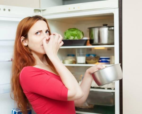 الرائحة الكريهة للثلاجة