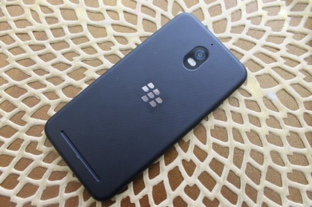 تم إزاحة الستار رسميًا عن BlackBerry Aurora ؛  4 جيجا بايت رام وشاشة 5.5 بوصة